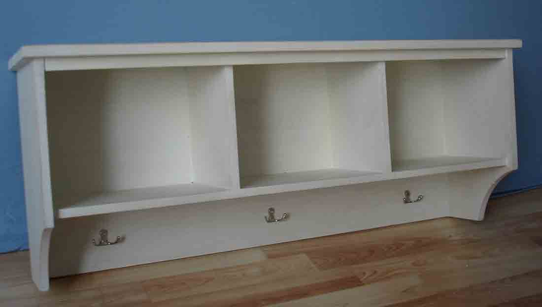 Wall storage shelf with 3 hooks