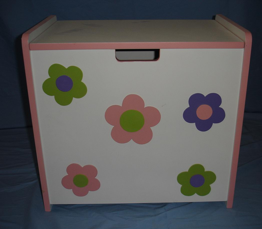 kids toy box/cabinet in Hand-painting finish