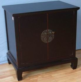 Cabinet with 2 doors with 3 finish as color options