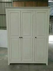 Antique White Finish Wardrobe with 3 Doors in Nordic Style